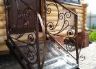уличная лестница с ковкой